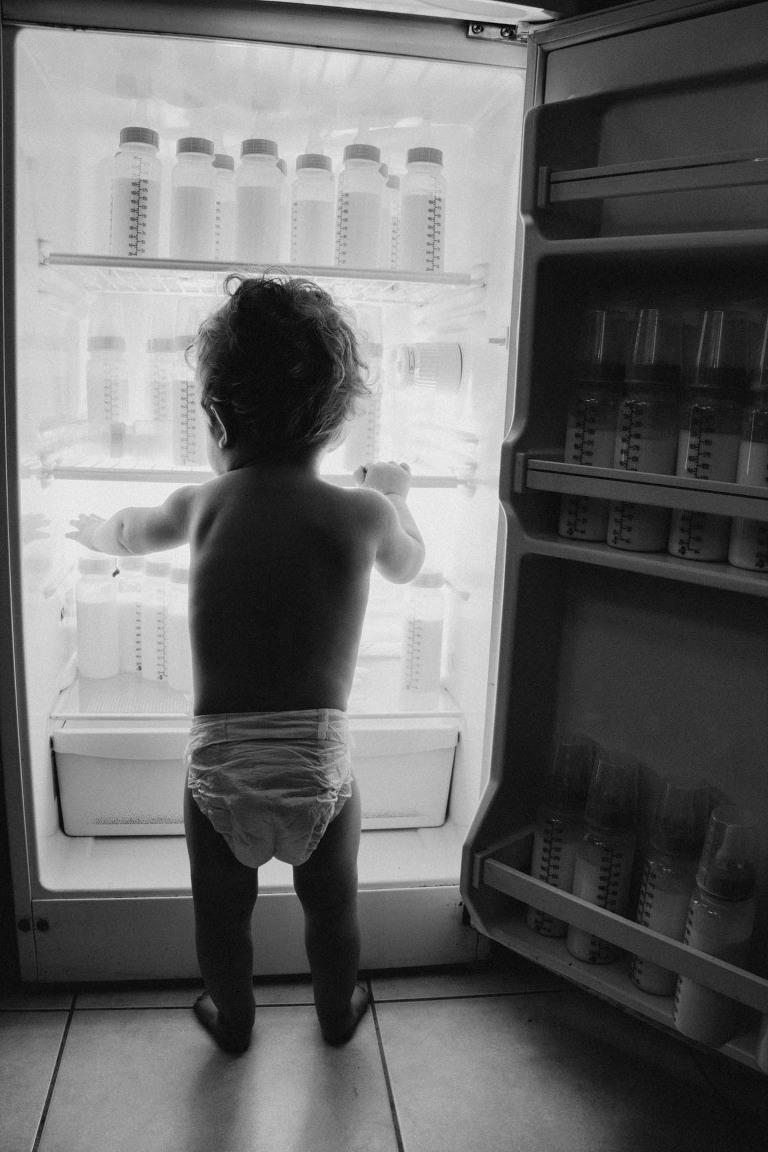bébé lait biberon frigo
