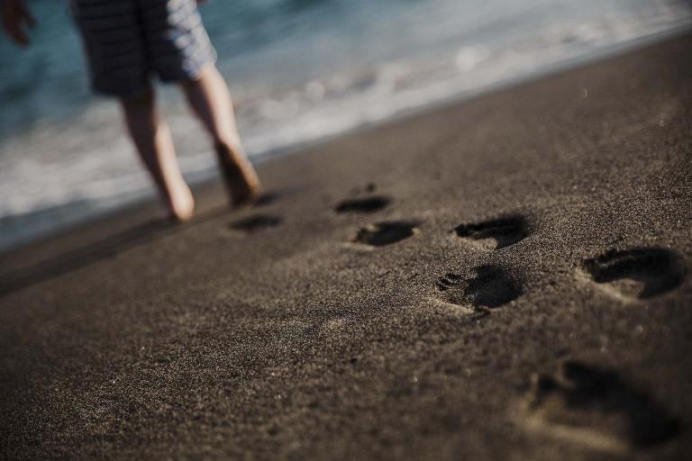 ocean pieds sable